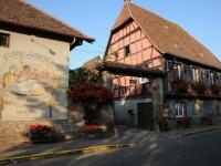 """Eerste overnachtingsplek, uit de France Passion-gids"""" bij Cave Kaes in Molsheim"""
