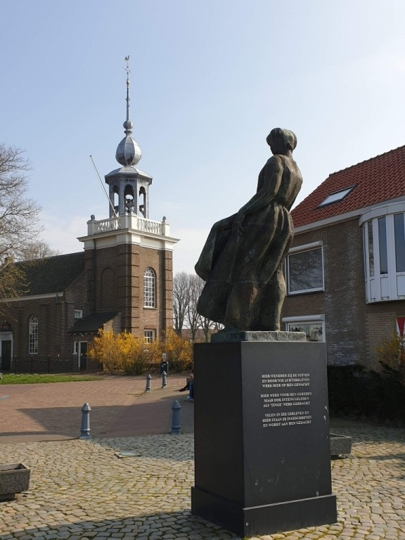 Urker vissersmonument — in Urk.